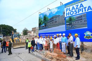 Primera piedra plaza Hospital  (10)