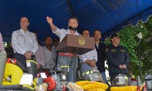 Un respetuoso llamado a los jueces para que permitan generar energía en la Hidroeléctrica de El Quimbo, hizo el Presidente Juan Manuel Santos este miércoles desde Girardot, Cundinamarca.