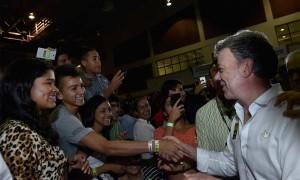 """""""La mejor forma de defender el programa (Ser Pilo Paga) es simplemente estudiando, sacando buenas calificaciones"""", afirmó en e Barranquilla el Presidente Juan Manuel Santos."""