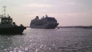 crucero-Adonia-llegando-puerto-Habana_CYMIMA20160502_0007_16