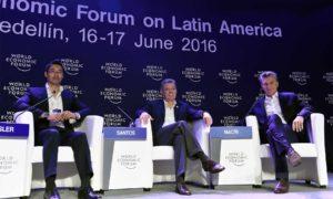 Durante el conversatorio el Presidente Santos dijo que los temas tratados en el Foro Económico Mundial son relevantes para la construcción de la paz en el país.