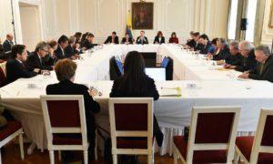 El Presidente Juan Manuel Santos y parte de su gabinete ministerial se reunieron en la Casa de Nariño con los miembros del Consejo Gremial Nacional.