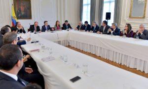 El Presidente Juan Manuel Santos se reúne con los gremios económicos para hacer seguimiento a la situación del transporte de carga.