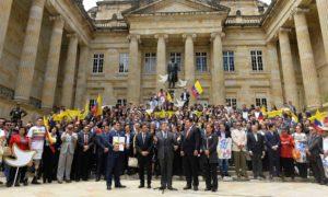 El Presidente Santos ordenó el cese al fuego definitivo con las Farc a partir del 29 de agosto, luego de entregar el Acuerdo Final para poner fin al conflicto armado y construir una paz estable y duradera.