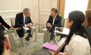 El Presidente del Grupo Albright Stonebridge (ASG), Carlos Gutiérrez visitó al Presidente Santos, a quien destacó las oportunidades que se abren para Colombia con el acuerdo final para la terminación del conflicto.
