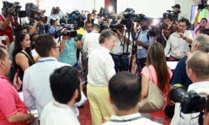 El Jefe del Estado saludó este domingo a los enviados especiales de medios nacionales e internacionales a la firma del Acuerdo de Paz y les dio la bienvenida a Colombia en esta fecha histórica.