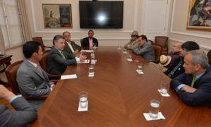 El Presidente Juan Manuel Santos se reunió con representantes de los partidos Verde, Polo Democrático, ASI y MAIS, dentro del diálogo nacional que lidera para sacar adelante los acuerdos de paz