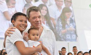 El Megacolegio Las Gardenias, inaugurado por el Presidente Santos, está ubicado en la urbanización que lleva el mismo nombre, en el área metropolitana de Barranquilla.