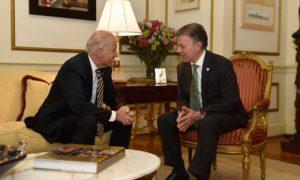 """""""Estoy muy complacido de reconocer al Vicepresidente Joe Biden, no solo por ser un gran aliado de Colombia sino por ser un gran amigo"""", manifestó el Jefe del Estado colombiano este jueves en la capital de EEUU."""