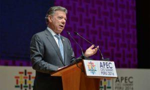 La paz en Colombia tienen implicaciones regionales y esa es una buena noticia para todos los empresarios, porque es el último conflicto armado en el continente, dijo este sábado el Presidente Santos en el foro de empresarios de APEC en Lima.