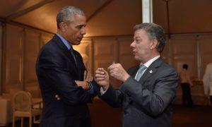 Los presidentes de Colombia, Juan Manuel Santos, y de Estados Unidos, Barack Obama, tuvieron este sábado un breve pero cordial encuentro, al término de la Cumbre de los países del Asia-Pacífico en la capital de Perú.