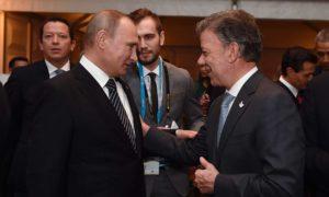 Este sábado el Presidente Juan Manuel Santos dialogó con el Presidente de la Federación Rusa, Vladimir Putin, quien asistió en Lima a la XXIV Cumbre del Foro de Cooperación Económica Asia-Pacífico (APEC).