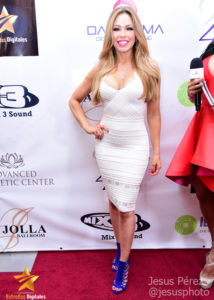 Claudia Molina en la alfombra roja de Premios Estrellas Digitales