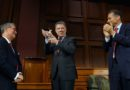 Premio a @JuanManSantos de @Harvard University por Gran Negociador de la paz