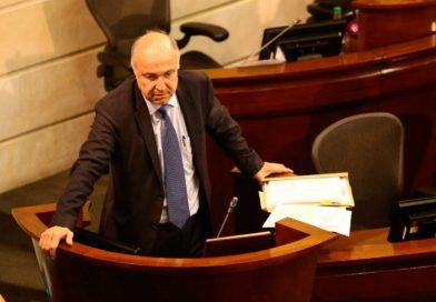 El @MinjusticiaCo acompañó en el @SenadoGovCo doble instancia y pérdida de investidura