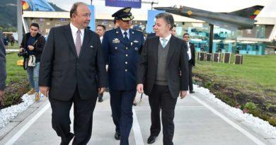 La @FuerzaAereaCol tendrá nano satélite en 2018: pte @JuanManSantos