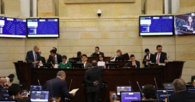 ¡El @SenadoGovCo le cumplió al país, aprobada la JEP!