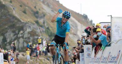 La alegría por la llegada triunfal de Miguel Ángel a la meta del Tour de hoy se mezcló con la triste salida de Bernal por lesiones
